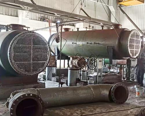 电厂热网加热器的安装现场